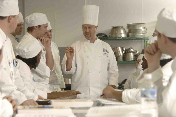 C mo aplicar coaching en restaurantes para tener mejores for Equipo para chef